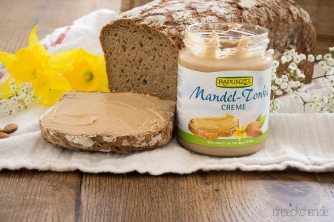 perfekter Aufstrich fürs Frühstück - Mandel-Tonka-Creme
