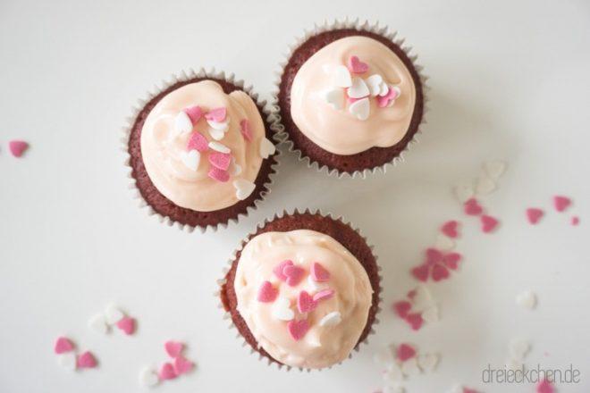 hausgemachte Pink Velvet Cupcakes