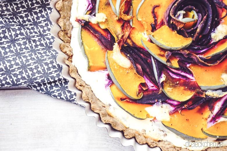 roggenvollkorn-kürbis-tarte-ziegenkäse-violette-karotten (18 von 30)