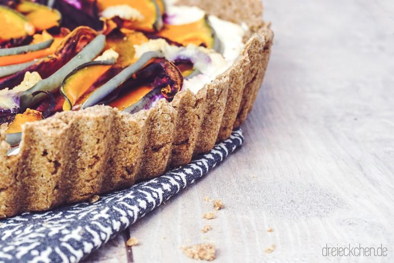 roggenvollkorn-kürbis-tarte-ziegenkäse-violette-karotten (29 von 30)