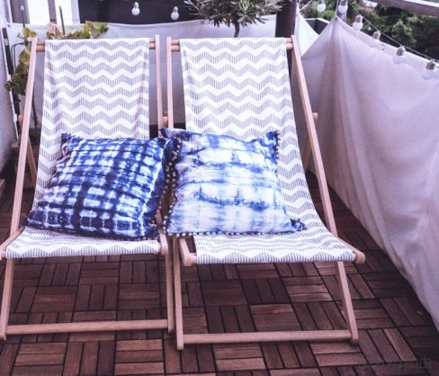 diy outdoor balkon update in indigo mit selbst gef rbten shibori kissen balkonliebe. Black Bedroom Furniture Sets. Home Design Ideas