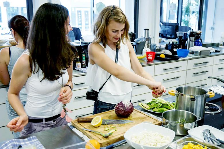 Gesund und lecker: Peacefood Kochkurs im Coworking-M1 in Mainz