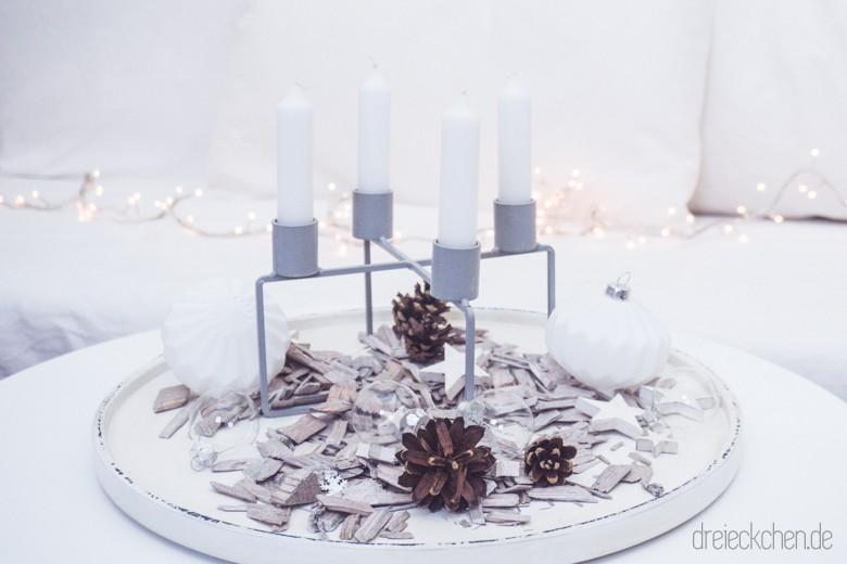 Adventskranz Inspiration: Kerzenhalter Mit Stabkerzen U2013 Skandinavisch, Weiß  U0026 Schlicht