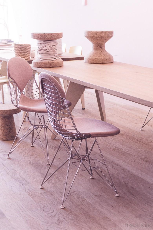 Eames Wire Chair mit rosa Bikini Polstern