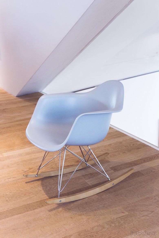 Eames Armchair in Eisblau als Schaukelstuhl