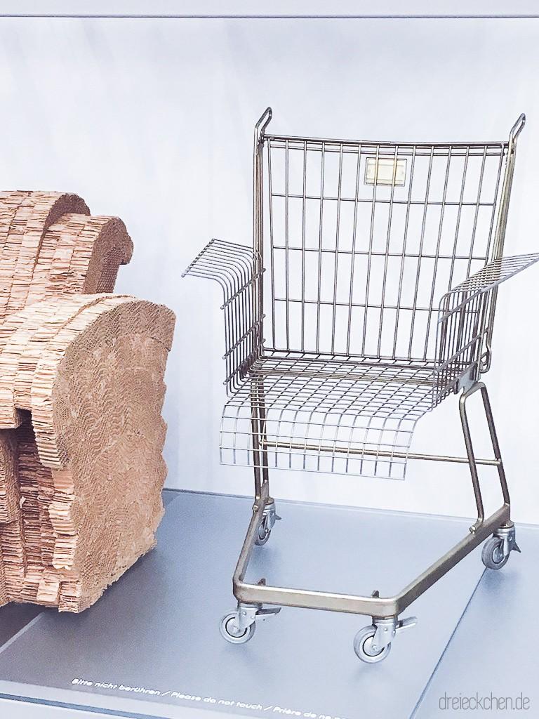 ein Stuhl wie ein Einkaufswagen