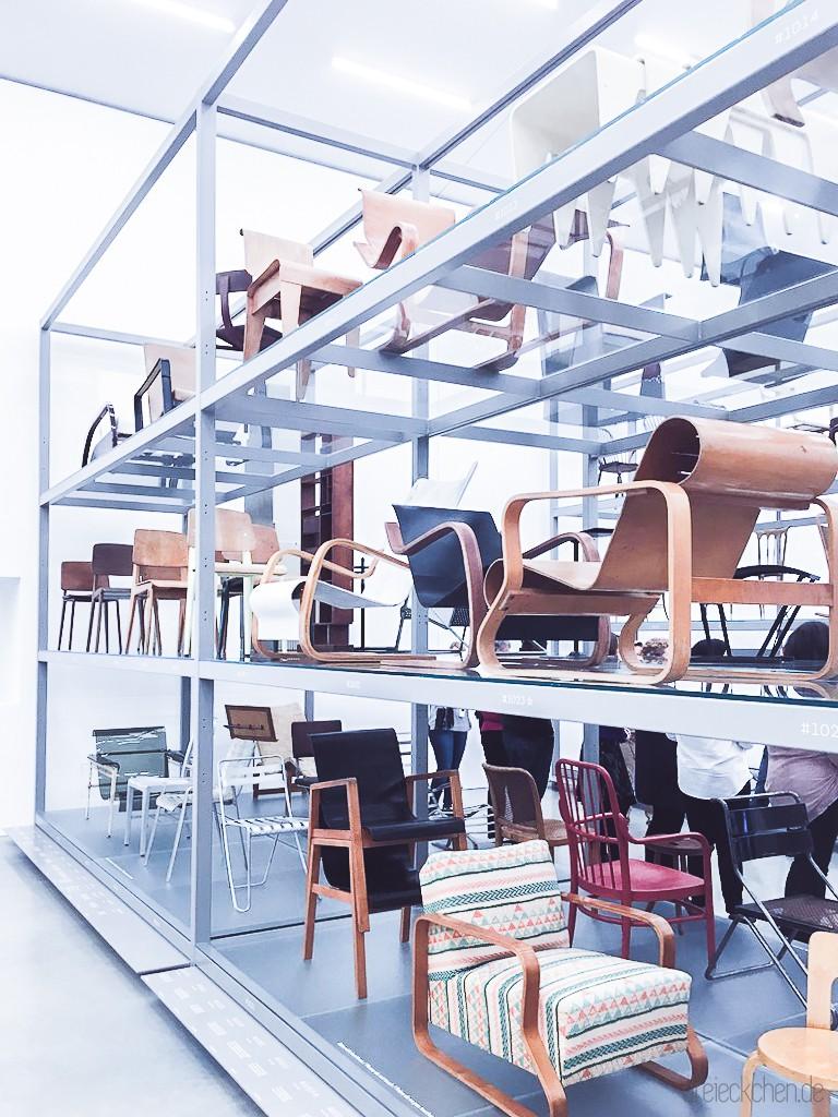 Stühle und Sessel aus verschiedenen Jahrhunderten Designgeschichte