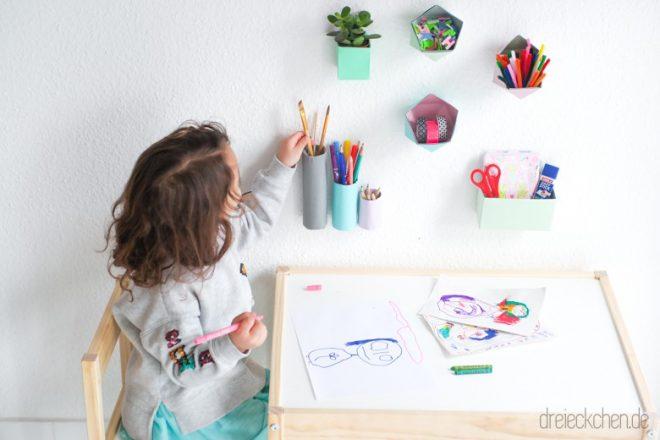 Kinderscheibtisch Aufbewahrung mit Papier Utensilios