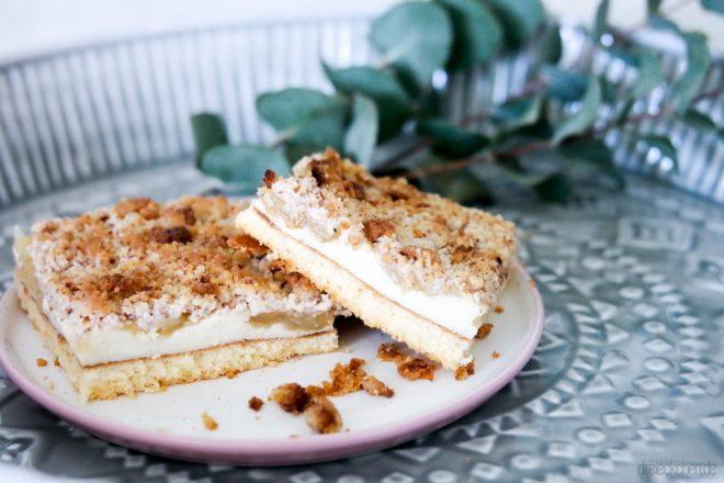 Streuselkuchen bzw. Belchkuchen mit Pudding und Apfelmus