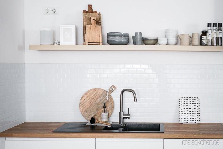 Küchenrückwand mit Spritzschutz aus Fliesenaufklebern: Metro Tiles ...