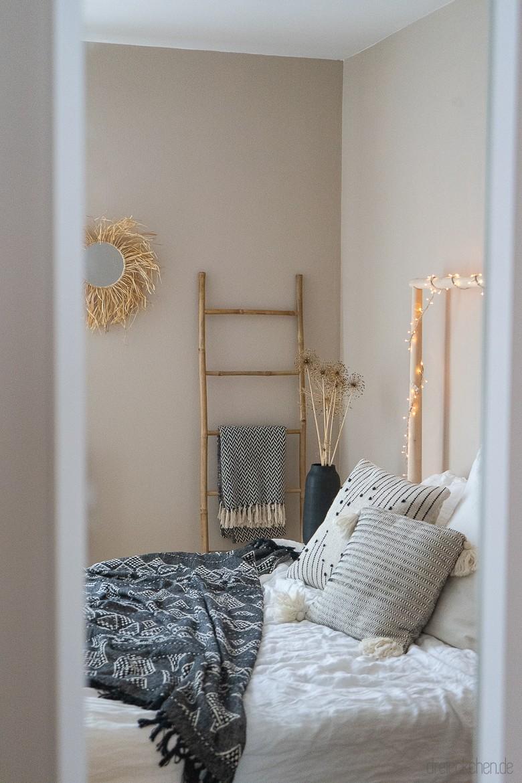 Neue Wandfarbe fürs Schlafzimmer: Ein Boho-Traum in Beige ...